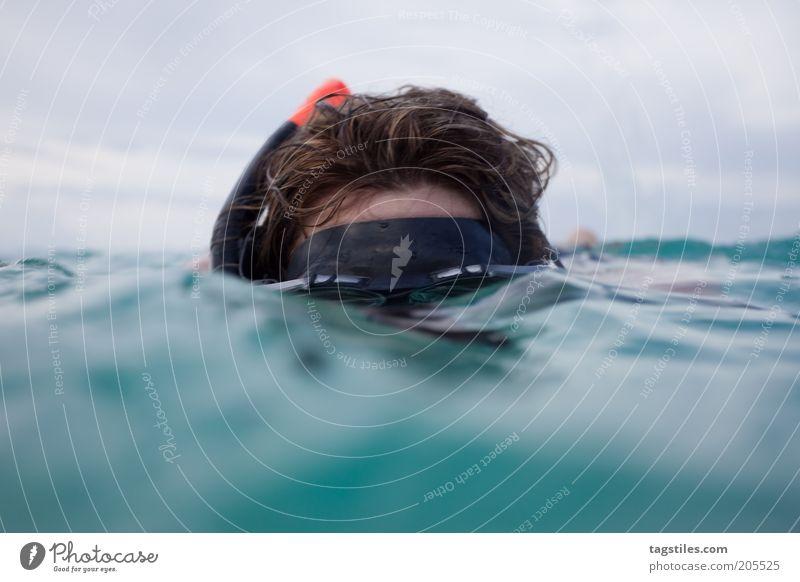 ICH SEHE WAS, WAS DU NICHT SIEHST tauchen Schnorcheln Kopf unten Wasser Meer verstecken Taucherbrille Ferien & Urlaub & Reisen Tauchgerät Farbfoto