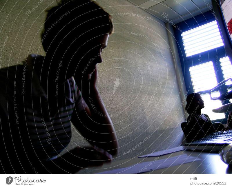 Schattenseiten der Schule Denken Frau Sonne Chatten nachdenken lernen