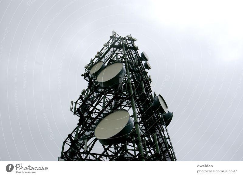 Grey Antenna Metall Deutschland Technik & Technologie Kommunizieren Telekommunikation Turm Stahl Antenne Begrüßung Feuer Funken spionieren senden Funktechnik
