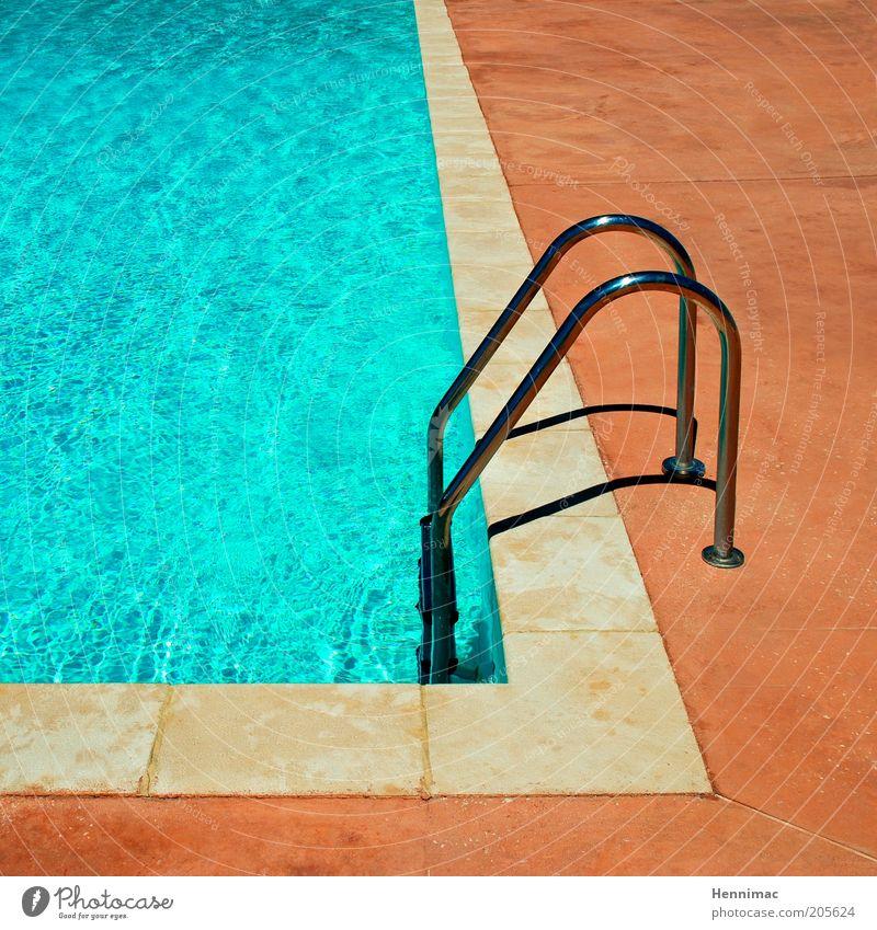 Für Beckenrandschwimmer. blau Wasser Ferien & Urlaub & Reisen Sommer Erholung Wärme Metall orange Freizeit & Hobby nass Tourismus Schwimmbad Wellness