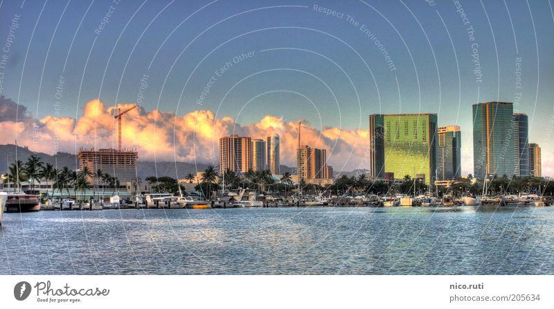thundery Ferien & Urlaub & Reisen Tourismus Städtereise Meer Honolulu Hawaii USA Amerika Stadt Hafenstadt Stadtzentrum Skyline Haus Bauwerk Gebäude Architektur