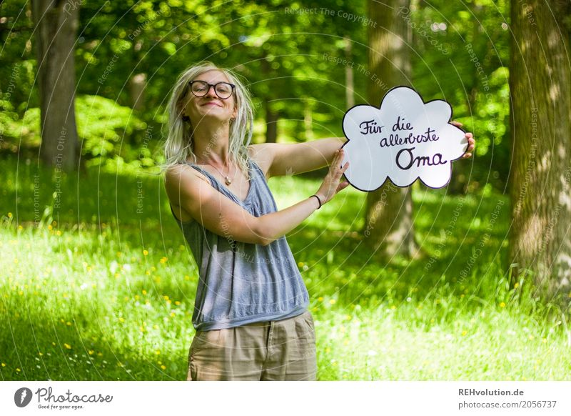 Jule | für die allerbeste Oma Mensch Natur Jugendliche Junge Frau Sommer Baum 18-30 Jahre Erwachsene Umwelt Liebe Wiese feminin außergewöhnlich Park