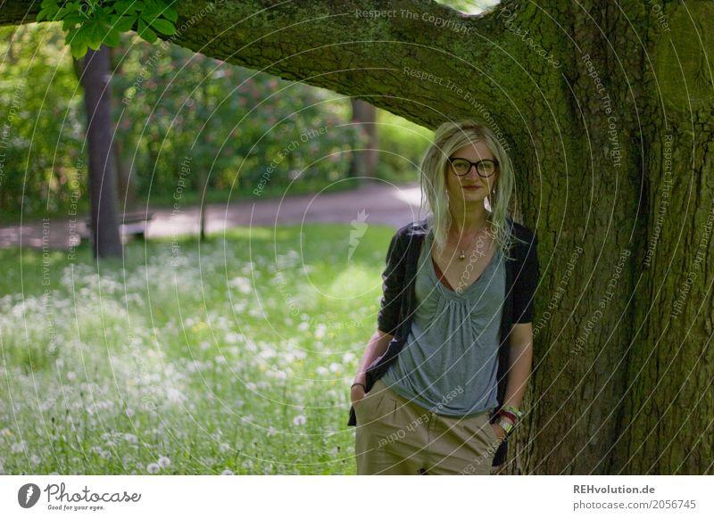Jule | Baum Frau Mensch Natur Jugendliche Junge Frau Sommer Landschaft Erholung 18-30 Jahre Erwachsene Lifestyle Umwelt feminin außergewöhnlich Haare & Frisuren