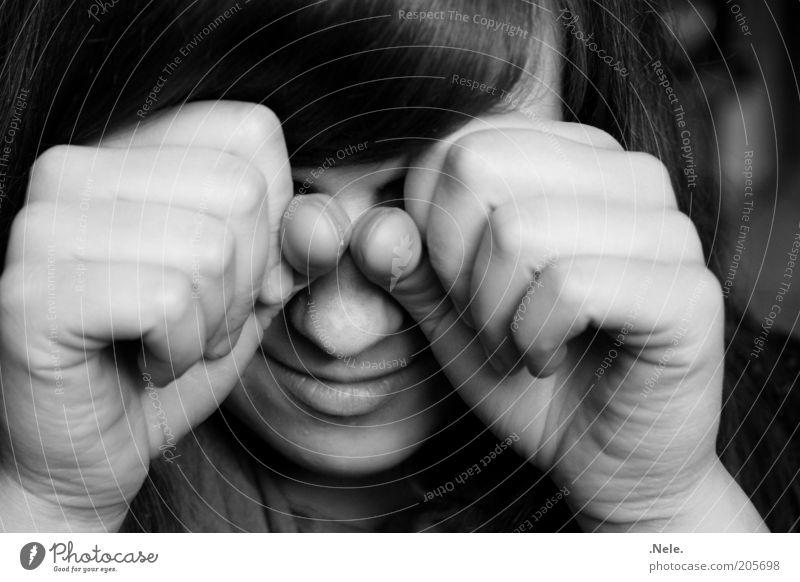 heulsuse. Mensch feminin Junge Frau Jugendliche Gesicht Hand Faust 1 berühren Traurigkeit weinen authentisch Gefühle Stimmung Sorge Trauer Schmerz Sehnsucht