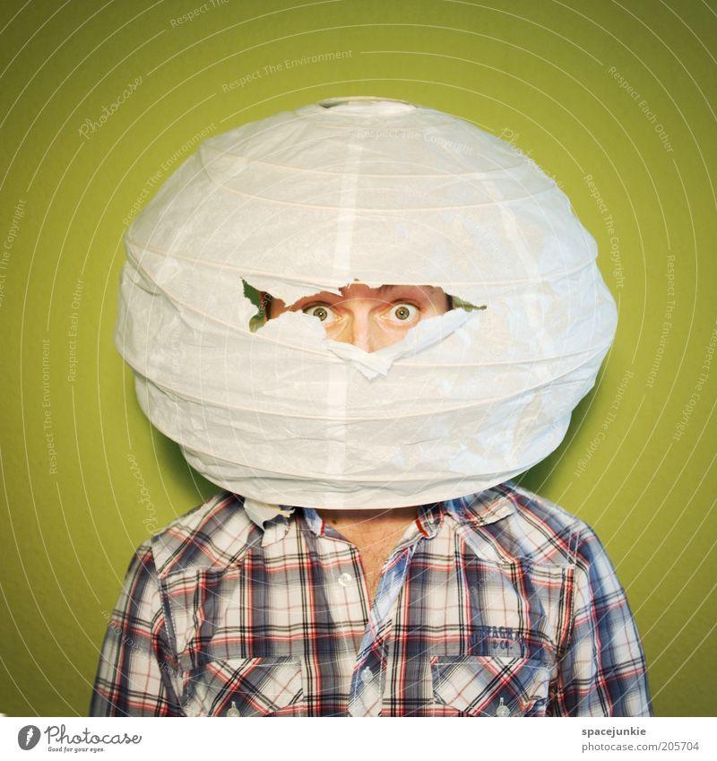 Der Imker Mensch grün weiß Erwachsene Auge lustig Angst gefährlich verrückt außergewöhnlich einzigartig Hemd verstecken kariert seltsam Schüchternheit