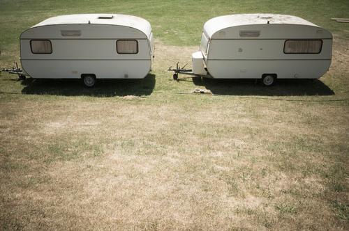 Wohnwagen-Balz Ferien & Urlaub & Reisen Tourismus Ausflug Ferne Camping Sommer Sommerurlaub Campingplatz Schönes Wetter Wärme Dürre Gras Wiese Verkehrsmittel