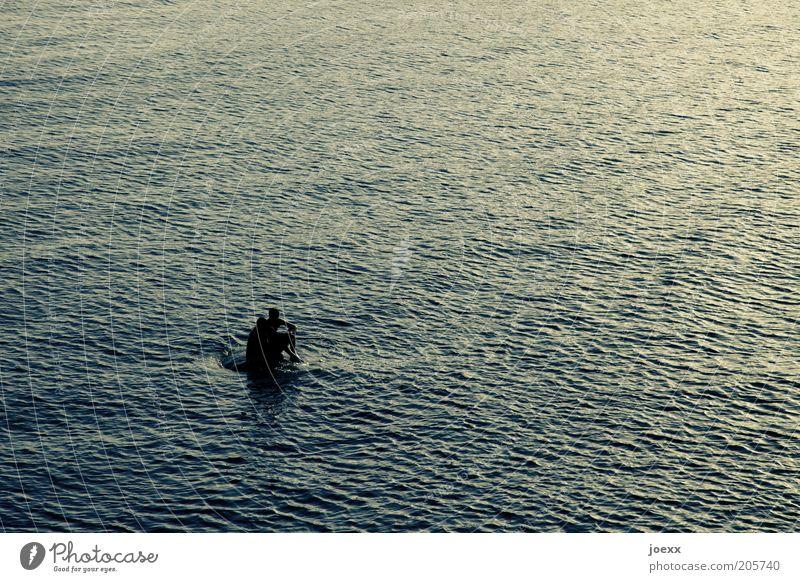 Liebesinsel Mensch blau Ferien & Urlaub & Reisen Sommer Meer Glück Paar Freundschaft Zusammensein sitzen Schwimmen & Baden maskulin Insel Romantik Unendlichkeit