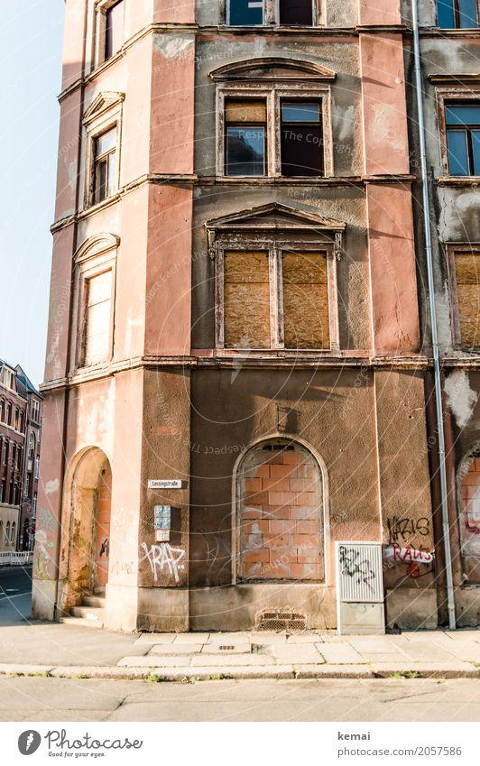 AST10 | Nazis raus Ferien & Urlaub & Reisen alt Sommer Stadt ruhig Fenster Wand Graffiti Mauer orange Fassade Ausflug Freizeit & Hobby Häusliches Leben