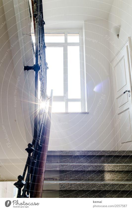 AST10 | Guten Morgen, liebe Sonne Häusliches Leben Wohnung Innenarchitektur Treppenhaus Treppengeländer Schönes Wetter Fenster Tür leuchten außergewöhnlich