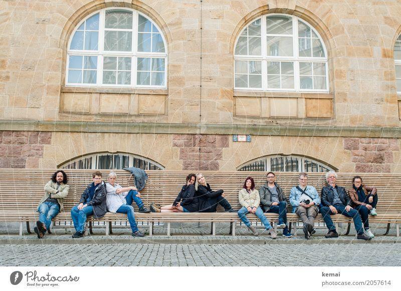 AST10 | Cool gang Frau Mensch Ferien & Urlaub & Reisen Mann Haus Fenster Erwachsene Leben Wand Lifestyle Senior feminin Mauer Menschengruppe Zusammensein
