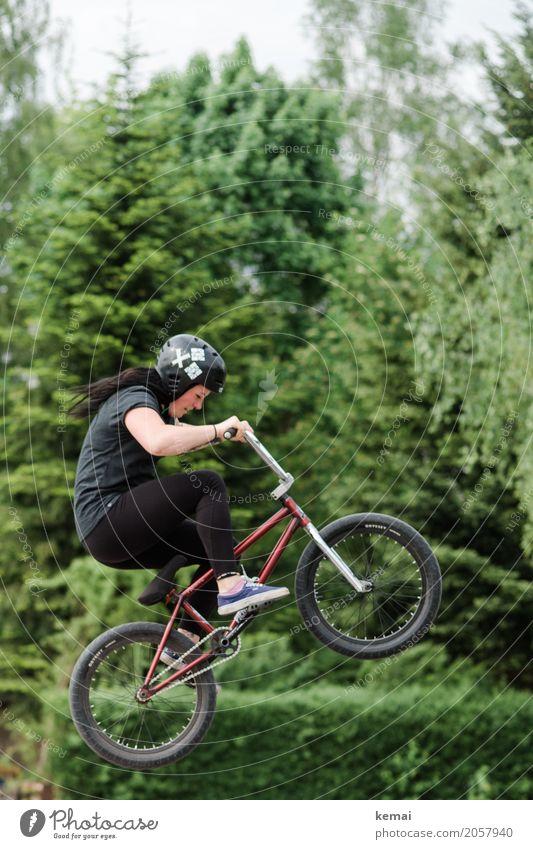 Mädchen auf BMX-Rad in der Luft Freude Freizeit & Hobby Freiheit Sport Fahrradfahren Mensch feminin Junge Frau Jugendliche Erwachsene Leben 1 T-Shirt Leggins