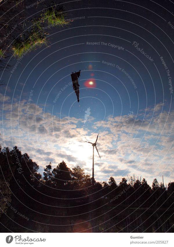 Space Invaders Natur Himmel Baum blau Sommer Wald Gefühle Wärme Umwelt Energiewirtschaft Zukunft Windkraftanlage Schönes Wetter UFO Absturz Stromkraftwerke