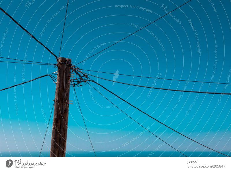 Netzwerkzentrale Kabel Technik & Technologie Telekommunikation Energiewirtschaft Himmel alt blau Horizont Strommast Stromanschluss Vernetzung Leitung