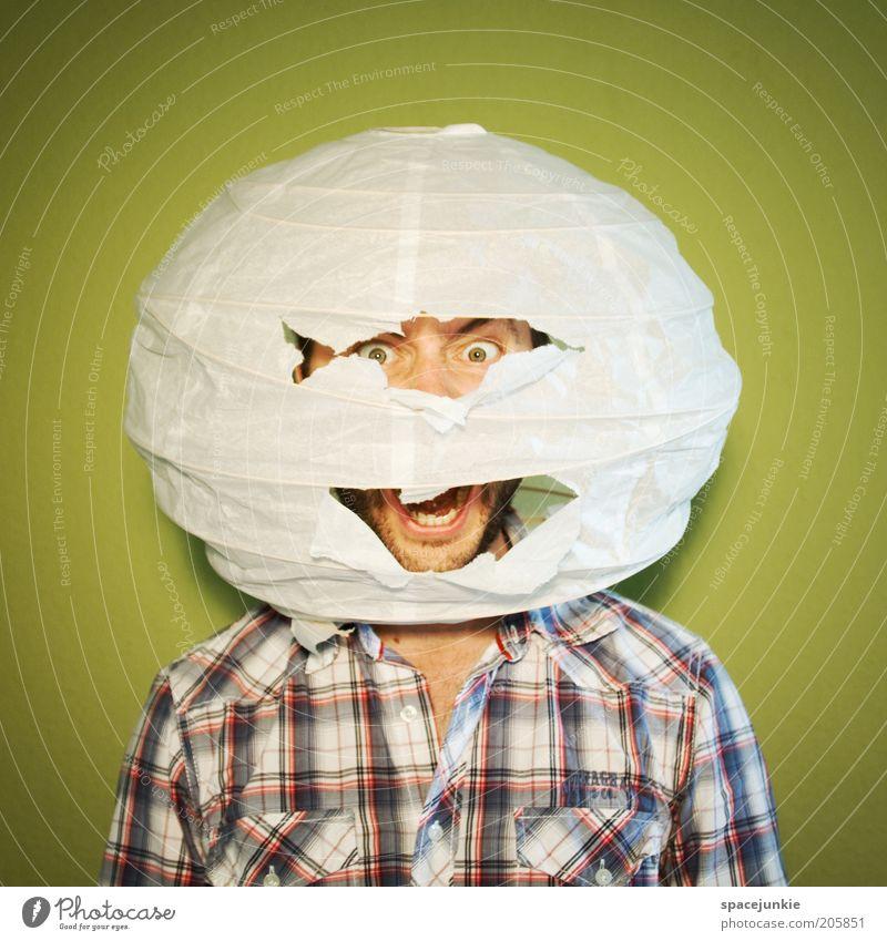 Der Imker (2) Mensch Erwachsene Angst maskulin gefährlich kaputt bedrohlich rund Kugel Todesangst Hemd schreien skurril Stress Riss kariert
