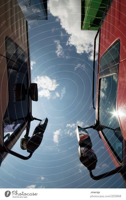 Elefantenrennen Himmel Sonne Wolken Wege & Pfade Verkehr Güterverkehr & Logistik Lastwagen Mobilität Unternehmen Wirtschaft Konkurrenz Verkehrsmittel KFZ Zeit Führerhaus Rückspiegel