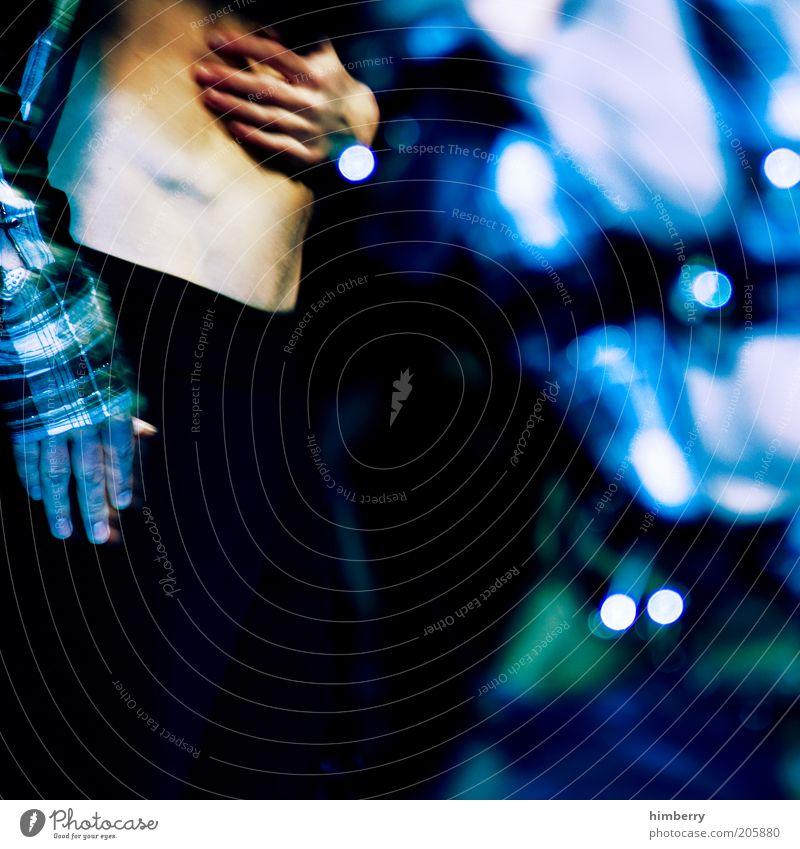 phantom Mensch maskulin Mann Erwachsene Leben Hand Bauch 1 Bekleidung Pullover Jacke außergewöhnlich dunkel exotisch fantastisch einzigartig Farbfoto