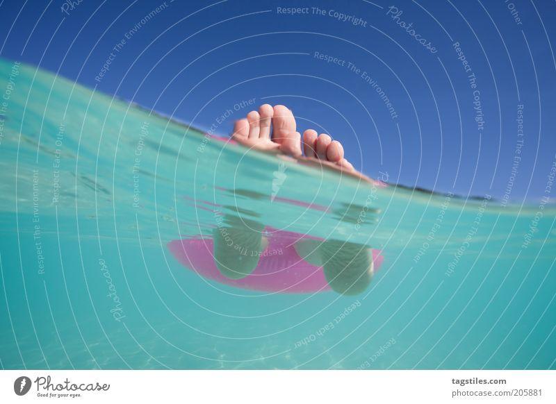 * HHHAAACH JAAAAAAAAAA ... * Ferien & Urlaub & Reisen liegen Im Wasser treiben Erholung Fuß Meer Schwimmen & Baden ruhen Pause ruhig Idylle Malediven