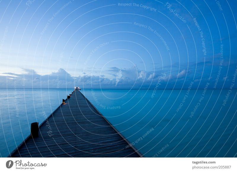 GUTE NACHT 1xx - GUTEN MORGEN 2xx Nacht Abend Dämmerung Nachthimmel Wolken Steg Horizont Malediven blau Fernweh Ferien & Urlaub & Reisen Reisefotografie