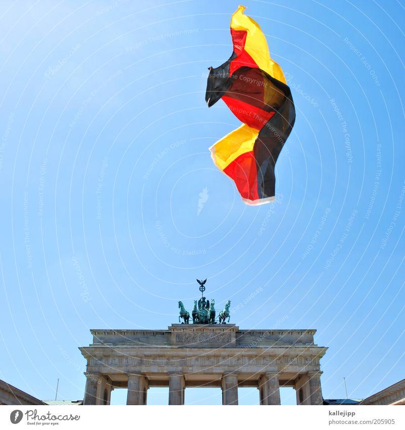 don´t cry for me argentina Freiheit Deutschland Wiedervereinigung fliegen Deutsche Flagge Berlin Hauptstadt Sehenswürdigkeit Stolz Politik & Staat Wolkenloser Himmel Europa Demokratie Brandenburger Tor Tag der Deutschen Einheit