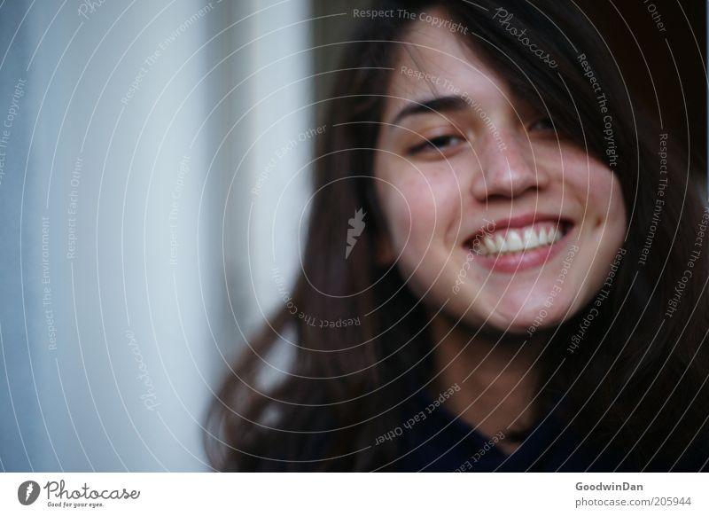 lange nicht gesehen Mensch feminin Junge Frau Jugendliche Kopf Kommunizieren Lächeln lachen authentisch frei Freundlichkeit Fröhlichkeit Glück schön nah