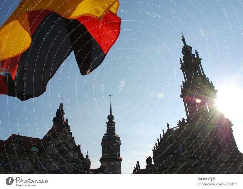 Dresden flippt aus! Himmel blau Sonne Freiheit Architektur Deutschland Feste & Feiern ästhetisch Perspektive Hoffnung Kultur Fahne Dresden Burg oder Schloss Aussicht