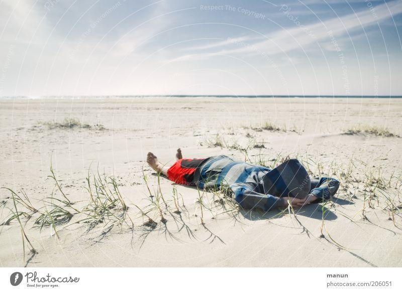 Ferien! Natur Jugendliche Meer Sommer Strand Ferien & Urlaub & Reisen ruhig Einsamkeit Ferne Leben Erholung Landschaft Zufriedenheit Gesundheit Coolness liegen