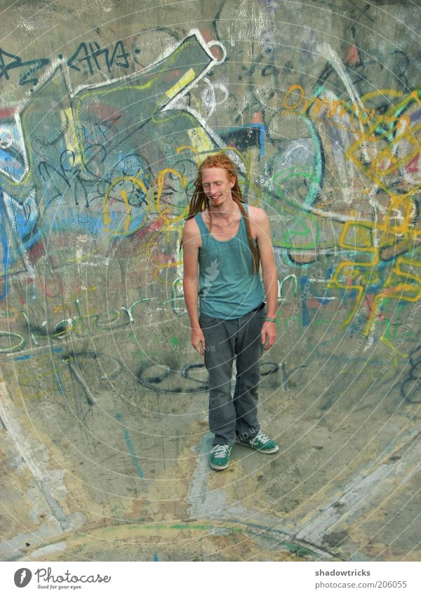 Paul Mensch Jugendliche schön Freude Graffiti Erwachsene Zufriedenheit Fröhlichkeit maskulin Lifestyle retro einzigartig dünn Gelassenheit Lebensfreude