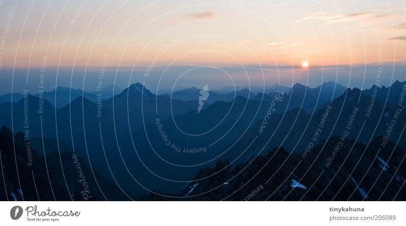 The early bird... ruhig Ferne Freiheit Berge u. Gebirge Natur Landschaft Horizont Alpen Lechtaler Alpen Gipfel träumen ästhetisch frei Unendlichkeit oben blau