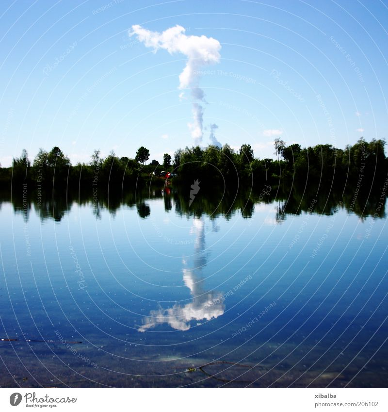 Brennelemente im Kochtopf Wasser Himmel blau Sommer Wolken See Wärme Landschaft Umwelt Energiewirtschaft gefährlich Zukunft bedrohlich Klima heiß Elektrizität
