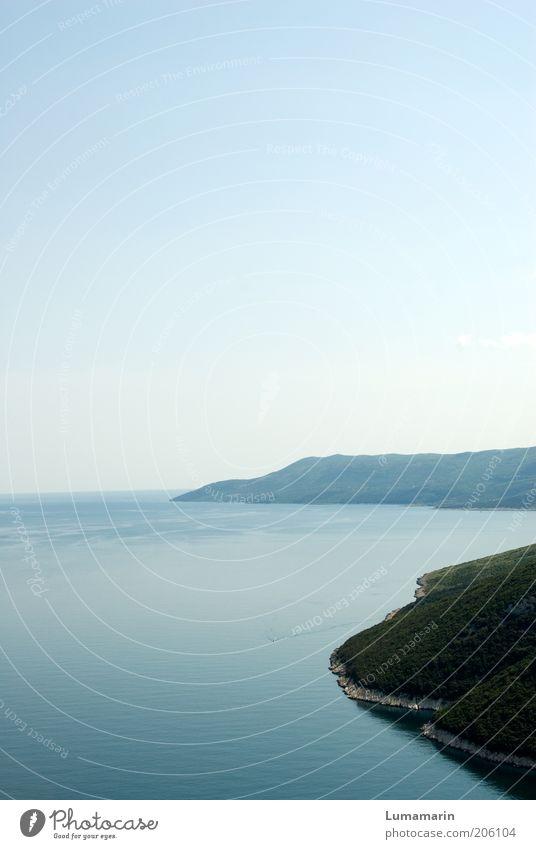 Küstenlinie Umwelt Natur Landschaft Urelemente Erde Luft Wasser Wolkenloser Himmel Horizont Sommer Klima Schönes Wetter Hügel Bucht Meer Insel groß