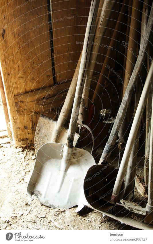 Schuppen Garten Ordnung Werkstatt Werkzeug Scheune Gerät Gartenarbeit Schaufel Landwirtschaftliche Geräte Spaten Gartengeräte Lagerschuppen
