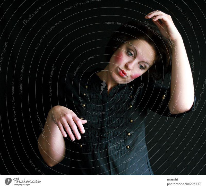 das Leben als Marionette Frau Mensch rot schwarz dunkel feminin Gefühle Stimmung Kunst Erwachsene Arme verrückt Körperhaltung Freizeit & Hobby Hemd Bühne