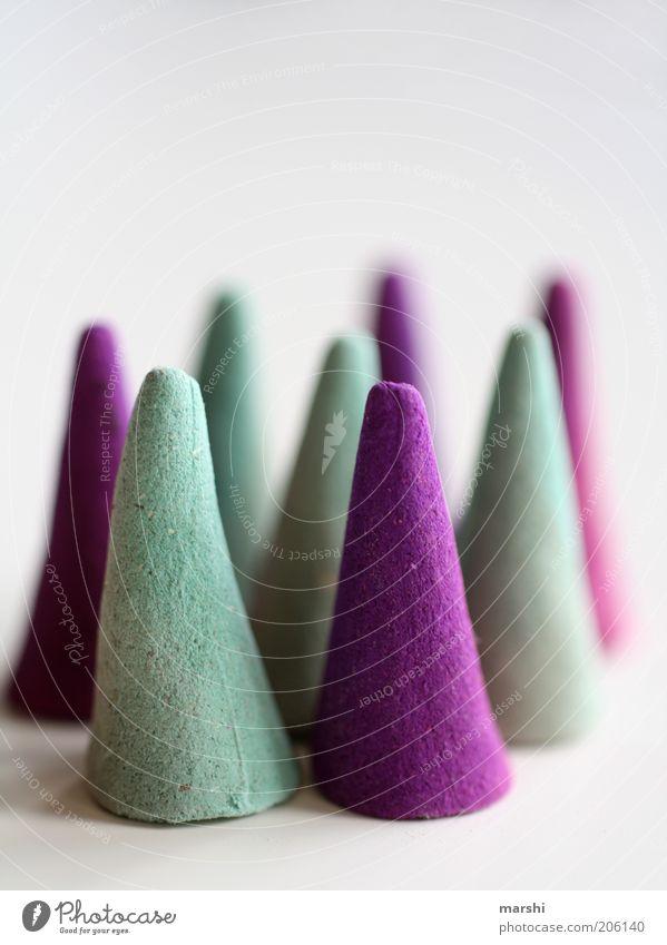 HütchenParade Stil violett Spitze Formation Räucherstäbchen kegelförmig türkis Unschärfe Dinge abstrakt Farbfoto Innenaufnahme Duft viele