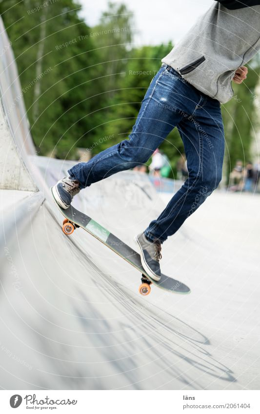 AST10 l ab gehts Lifestyle Sport Skateboard Halfpipe Mensch Jugendliche Leben Hose Schuhe Bewegung Coolness Optimismus Erfolg Willensstärke Mut Tatkraft