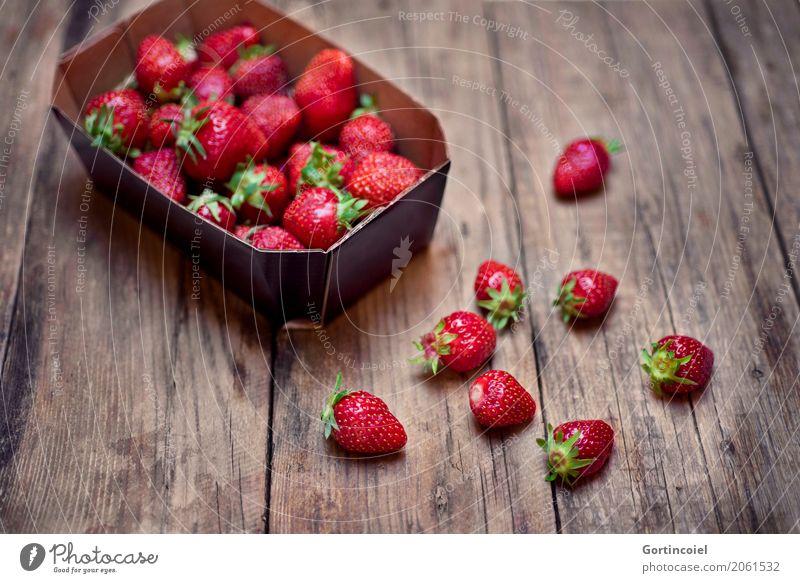 Erdbeerbox rot Gesundheit Lebensmittel Frucht Ernährung frisch lecker Beeren Schalen & Schüsseln Vegetarische Ernährung Diät sommerlich Erdbeeren fruchtig