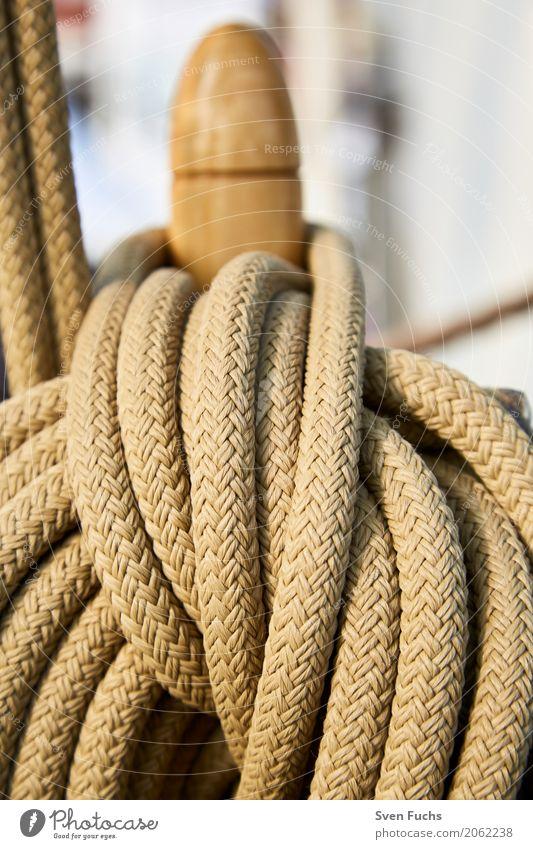 Seile und Taue Hafen Schifffahrt Segelschiff Wasserfahrzeug Knoten maritim Wilhelmshaven Landkreis Friesland Ostfriesland Trosse leine Schiffsdeck Lenkrad ruder