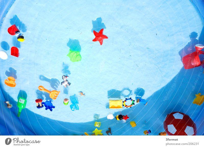 PLASTIKLANDSCHFT Garten heiß hell verrückt trashig Spielzeug Wasser blau Oberfläche Sammlung Auswahl Kunststoff Kunststoffverpackung Gummi Planschbecken
