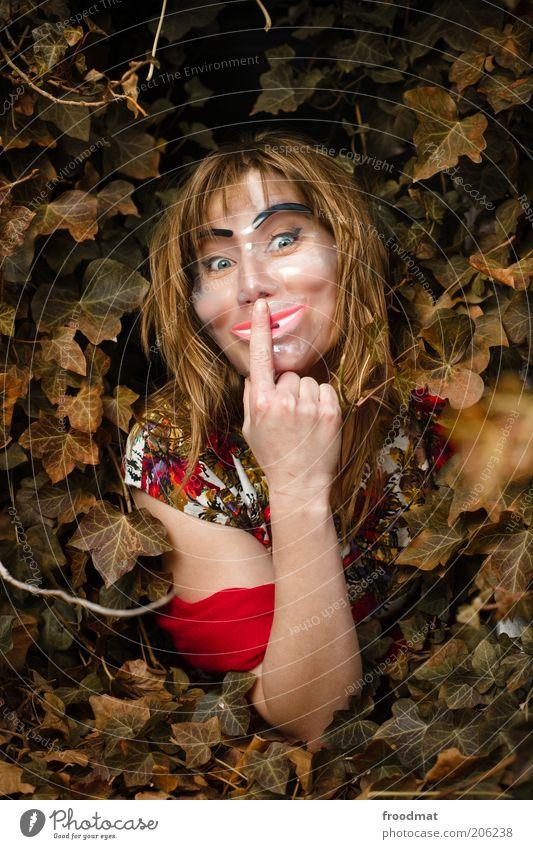pssst Frau Mensch schön alt ruhig feminin Erwachsene verrückt Maske geheimnisvoll gruselig trashig verstecken Gesichtsausdruck falsch Licht