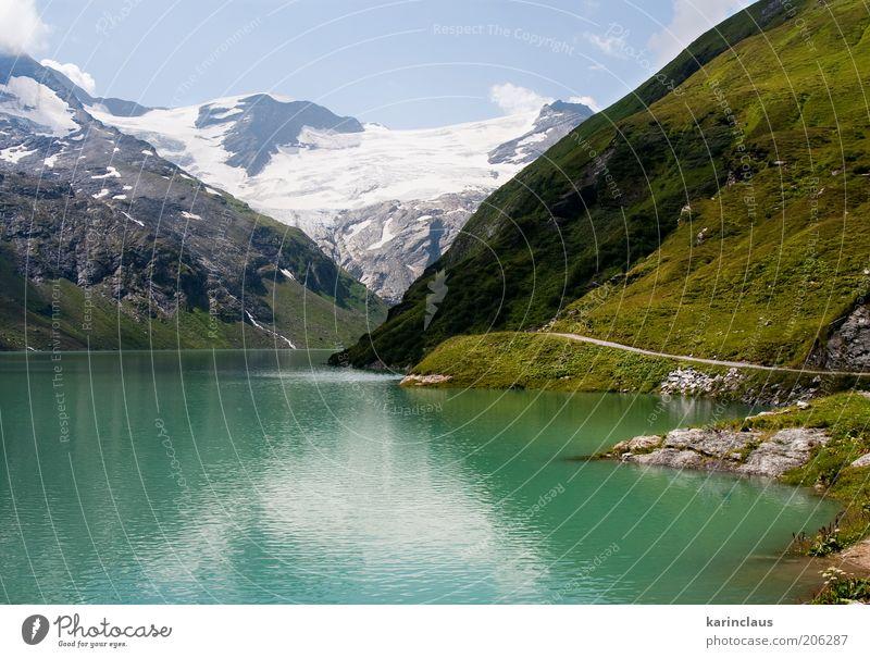 grüner großer Bergsee schön Tourismus Sommer Schnee Berge u. Gebirge Spiegel Umwelt Natur Landschaft Himmel Wolken Horizont Wärme Gras Hügel Gletscher Teich See