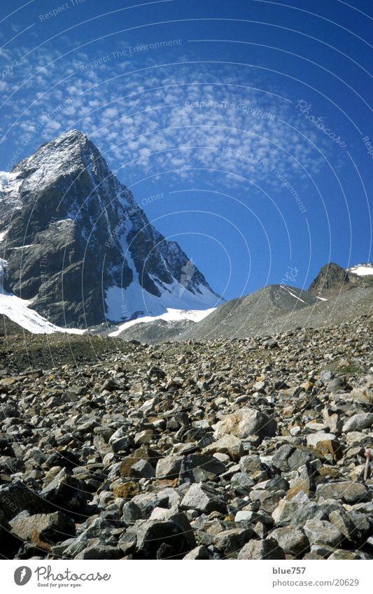 E5 Aufstieg Himmel weiß blau Wolken Schnee Berge u. Gebirge grau Alpen Gipfel Geröll
