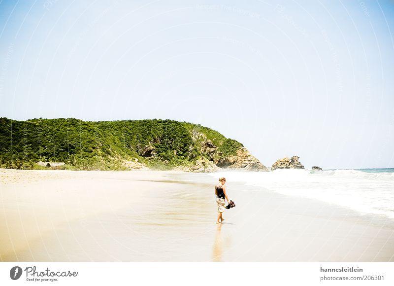 Wie Strand am Meer Mensch Frau Natur Jugendliche Ferien & Urlaub & Reisen Sommer Erwachsene Landschaft Freiheit Wärme Sand Glück Küste Denken