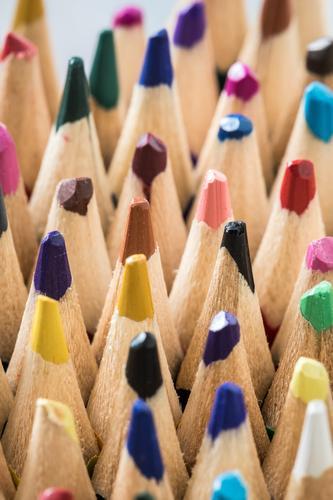 Buntstifte Kind Kunst Schule Freizeit & Hobby Kindheit Kreativität Zukunft lernen schreiben Bildung zeichnen Konzentration Inspiration Kindergarten Wissen