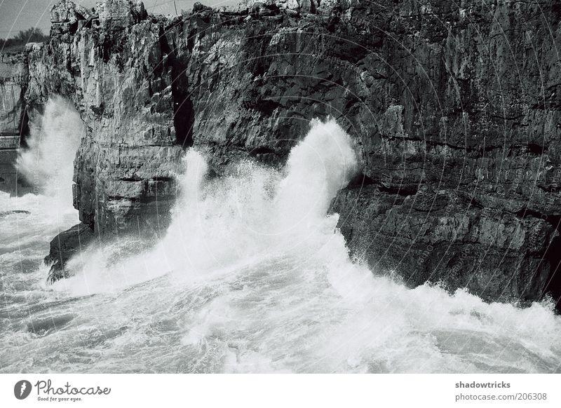 Poseidon Privat. Umwelt Natur Landschaft Urelemente Erde Wasser Klima Wetter Schönes Wetter Wind Sturm Wellen Küste Bucht Riff Insel exotisch Schwarzweißfoto