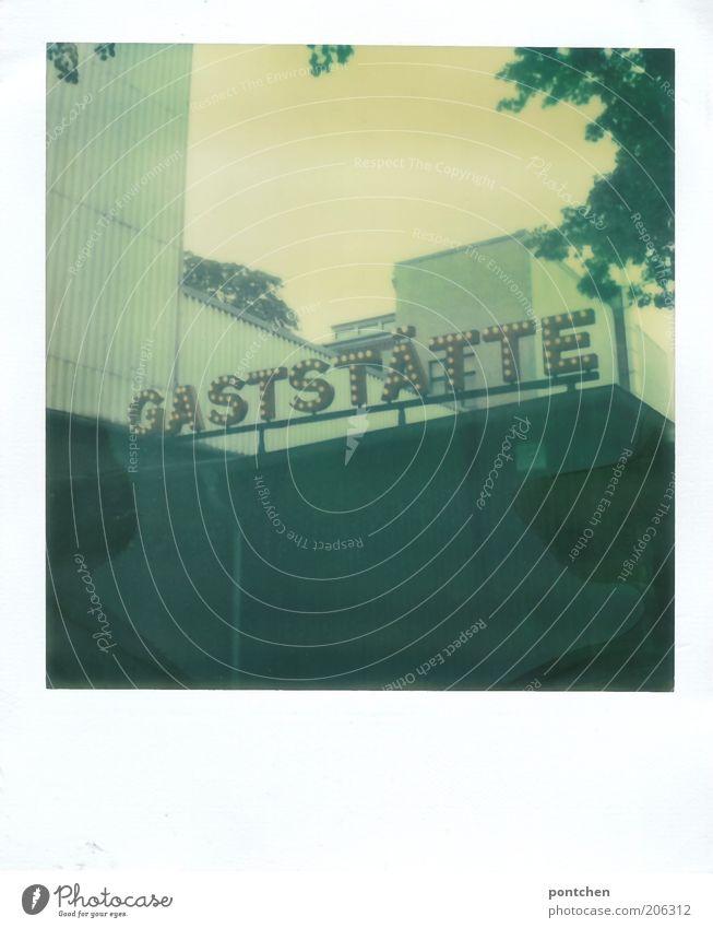 Polaroid zeigt ein Gebäude mit dem Schriftzug Gaststätte. Restaurant, Bewirtung Ernährung Freizeit & Hobby Tourismus Sommer Gastronomie Natur Himmel Haus