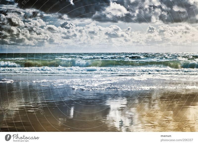 Naturgewalt Ferien & Urlaub & Reisen Freiheit Landschaft Wolken Horizont Klima Wetter Unwetter Wind Sturm Wellen Küste Strand Nordsee Meer Wattenmeer bedrohlich
