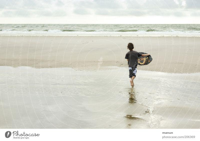 Skimboarder Jugendliche Sommer Freude Strand Ferien & Urlaub & Reisen Meer Ferne Erholung Leben Sport Junge Freiheit Landschaft Bewegung Sand Freizeit & Hobby