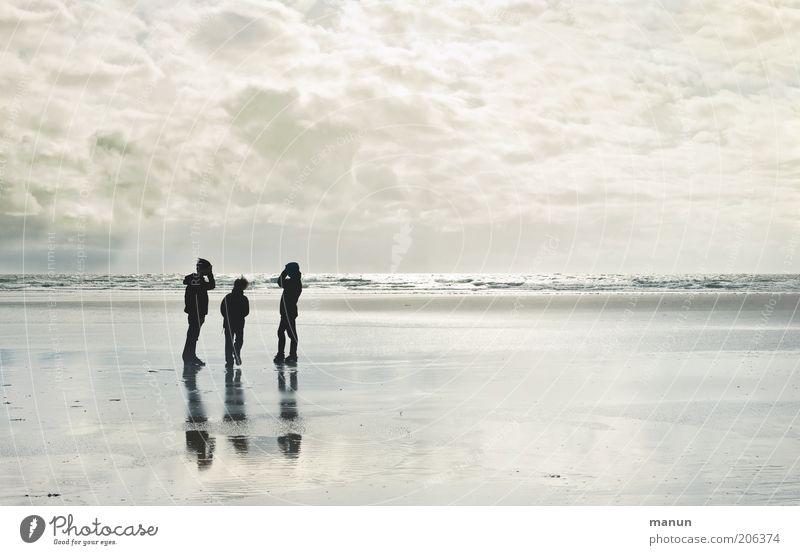 Vanilla Sky Mensch Natur Jugendliche Himmel Meer Strand Ferien & Urlaub & Reisen Wolken Ferne Junge Freiheit Familie & Verwandtschaft Sand Landschaft