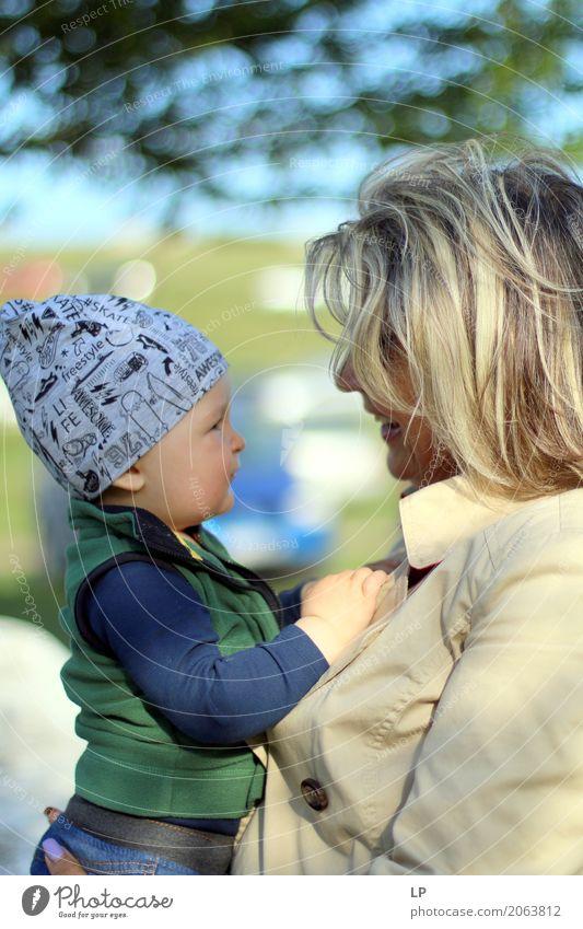 erste Worte Mensch Kind Freude Erwachsene Leben Senior Gefühle lachen Familie & Verwandtschaft Kindheit Fröhlichkeit Lächeln Baby Lebensfreude