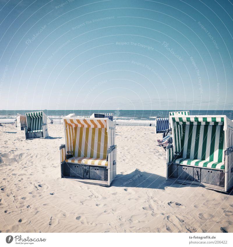 Gib mir 'nen Korb Natur schön Sonne Meer grün blau Sommer Strand Ferien & Urlaub & Reisen gelb Sand Wellen Insel Tourismus Streifen heiß