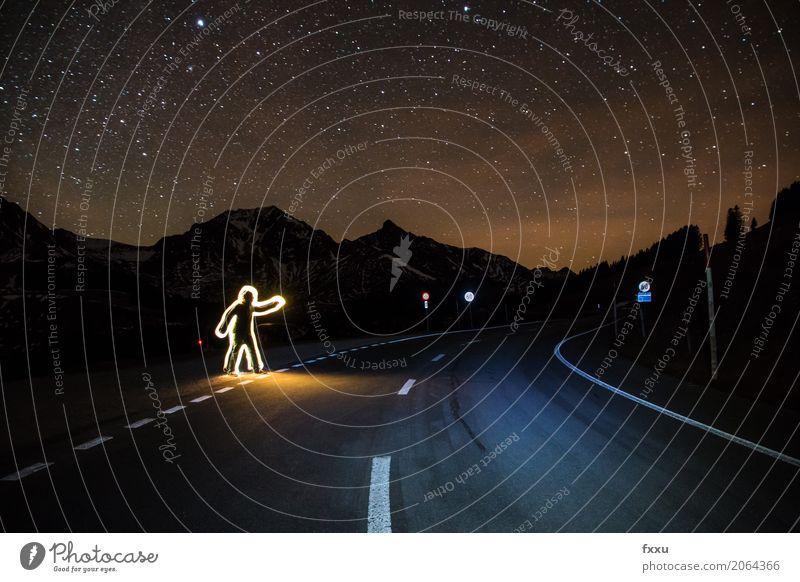 Anhalter trampen Hilfsbereitschaft Mitfahrgelegenheit Lichtmalerei Lichteffekt Lichtschreiben Light leak Straße langsam Stern Sternenhimmel Himmel